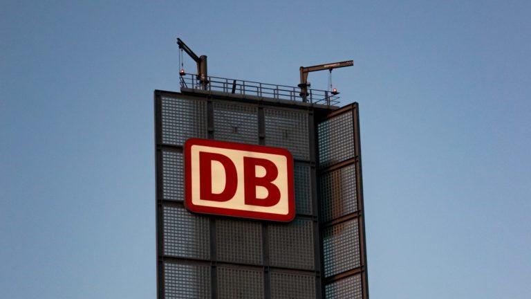 dB (デシベル) という単位について